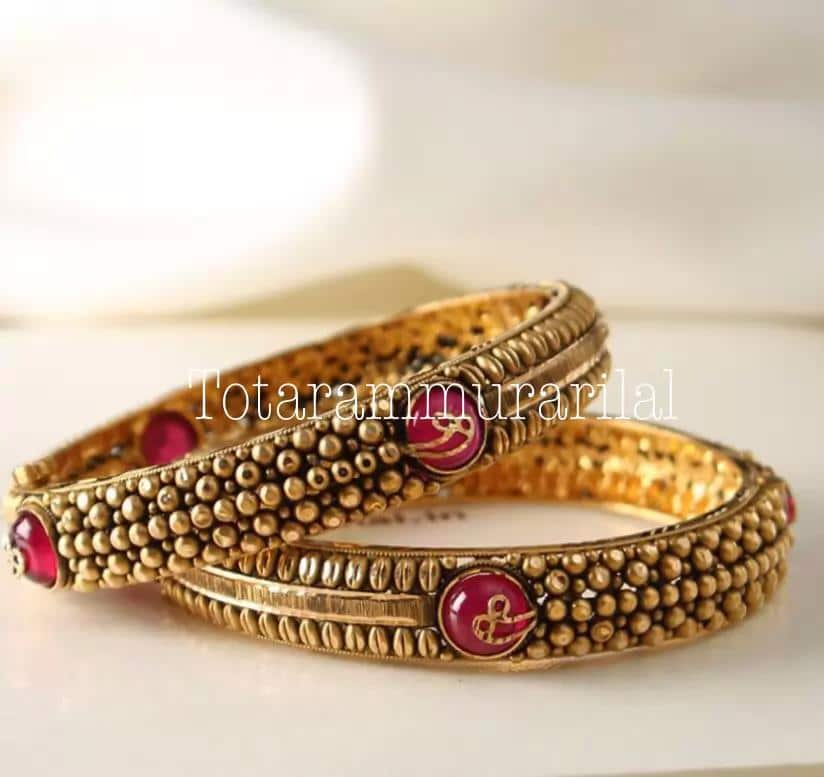Gold bangles GB-B47