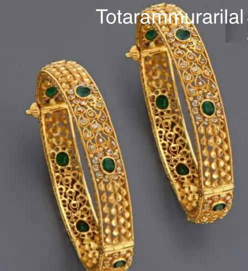 One pair gold bangle GB-B21